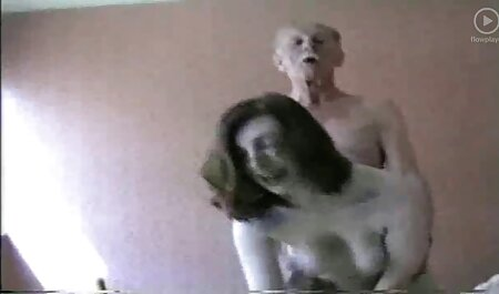 ブリトニーとメガネ遊びとともに彼女の温湿潤滑 女性 専用 無料 アダルト ビデオ
